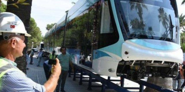 izmir-tramvayi-fuar